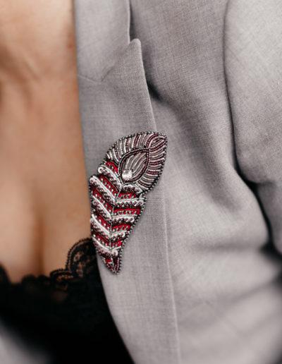 Брошь с кристаллами Сваровски Feathers